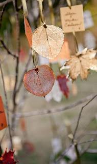 tableau de marriage sospeso con foglie secche