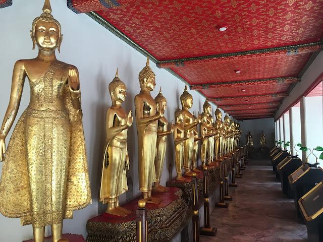 wat pho buddha statues