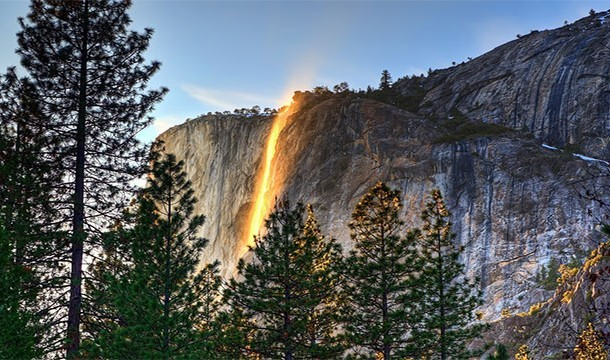 These 20 Unbelievable Pictures Might Look Like An Illusion But They Are Absolutely Real - Horsetail Falls