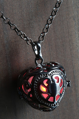 Red Glowing Heart Locket Jewelry
