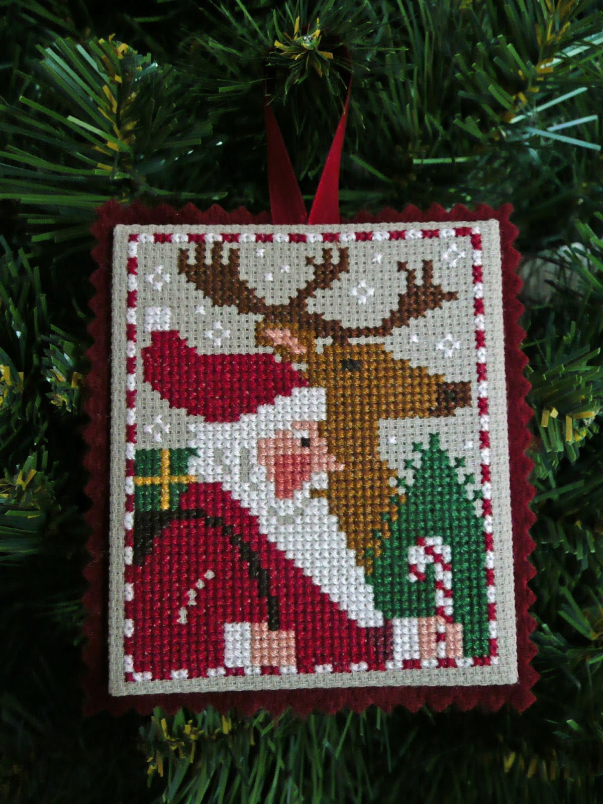 Focus on Finishing: Christmas Ornament Tutorial
