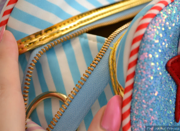 close up view of gusset sides on irregular choice whoa bag whilst open