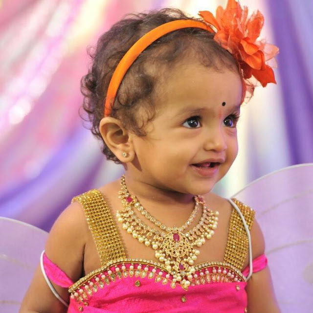 Small Baby In Uncut Diamond Necklace Jewellery Designs