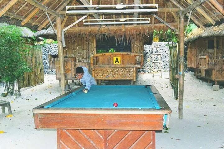 The backpackers residencia de riego - Residencia de manila swimming pool ...