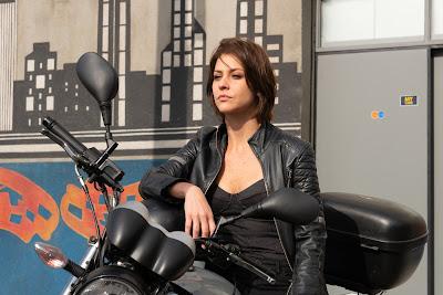 A garota da moto_Joana_Chris Ubach__Foto_joao_Raposo_SBT