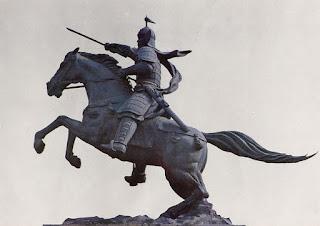Estatua escuestre de Kim Yushin, héroe coreano