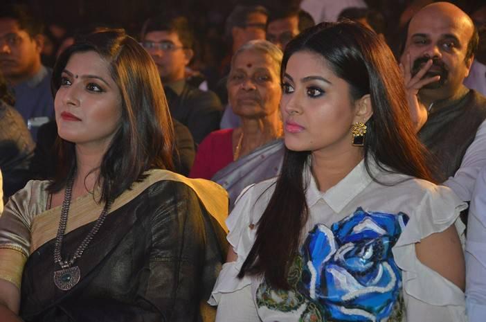 Prasanna Wife Sneha Stills At Pride of Tamil Nadu Award 2017