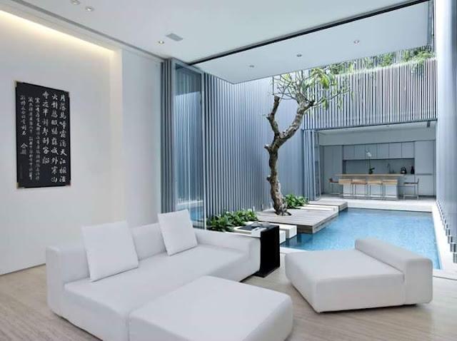 Inspirasi Teras Belakang Rumah dengan kolam renang tema putih