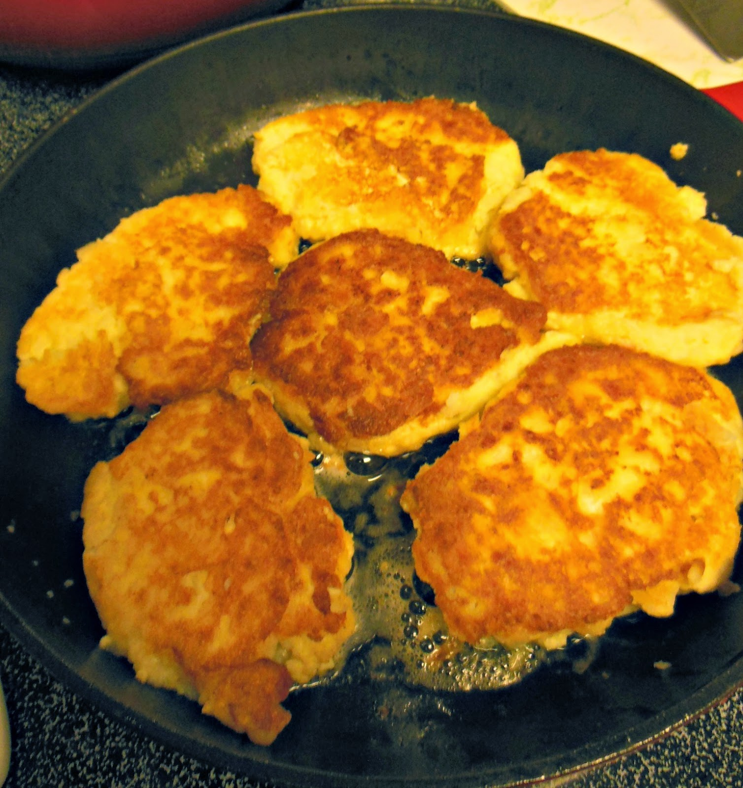 How To Make Fried Potato Cakes From Leftover Mashed Potatoes