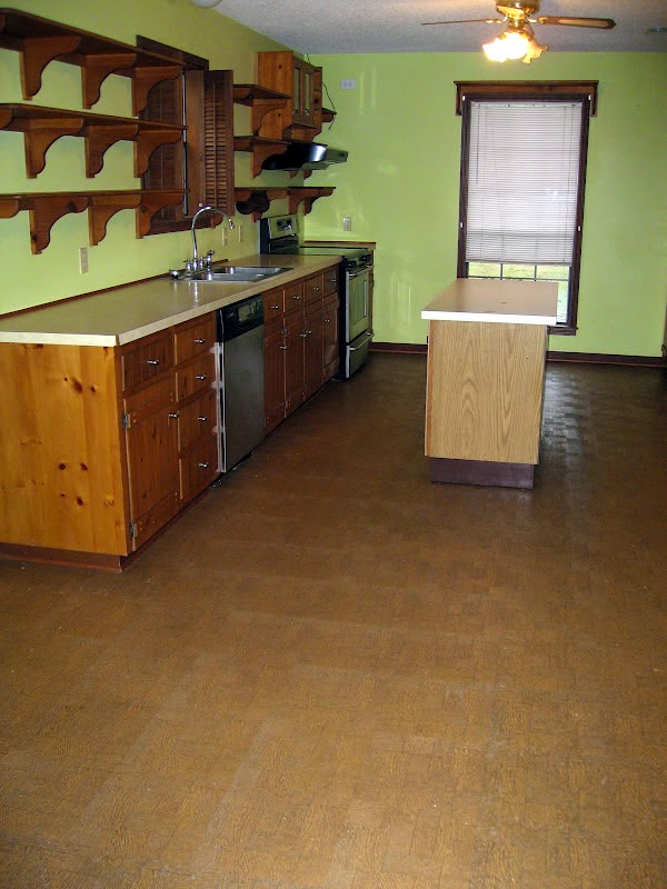 The Virtuous Wife How I Painted My Linoleum Floors
