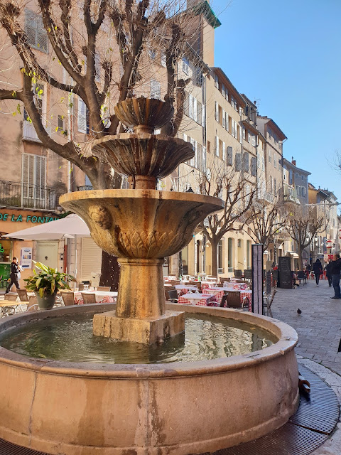 Place aux Aires in Grasse