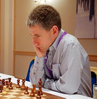 Le Britannique Michael Adams lors de la Coupe du Monde d'échecs 2013 © Chess & Strategy
