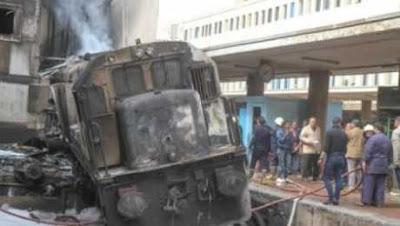لحظة شجار سائق القطار ومساعده المتسببين في حادث محطة مصر (فيديو)