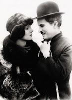 """Чарли Чаплин и Джорджия Хэйл в фильме """"Золотая лихорадка"""" (1925) - 13"""