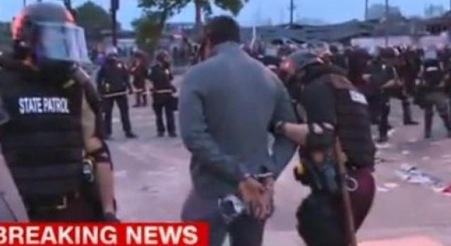 Σύλληψη σε live μετάδοση του συνεργείου του καθεστωτικού CNN