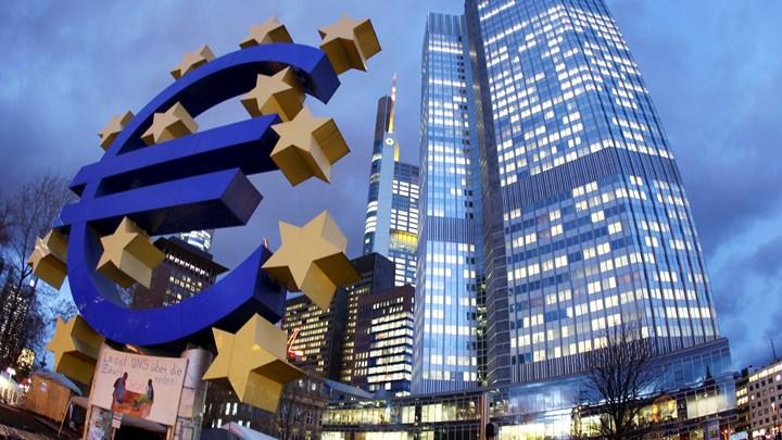 ΕΚΤ: Οι Έλληνες έχασαν το 40% του πλούτου τους
