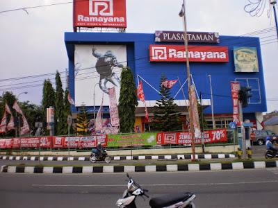 Lowongan Kerja Jobs ; Finance Staff, Brand Communicator, Merchandise Supermarket Lulusan Min SMA SMK D3 S1 PT Ramayana Lestari Sentosa Tbk