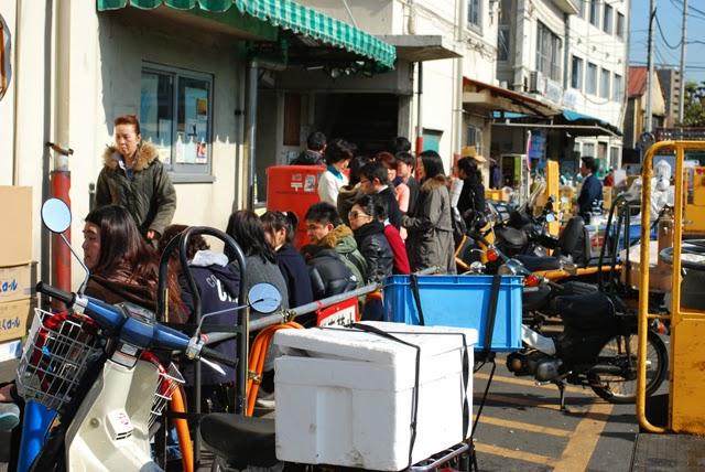 Sushi Dai Tsukiji Fish Market Long Line Tokyo Consult TokyoConsult