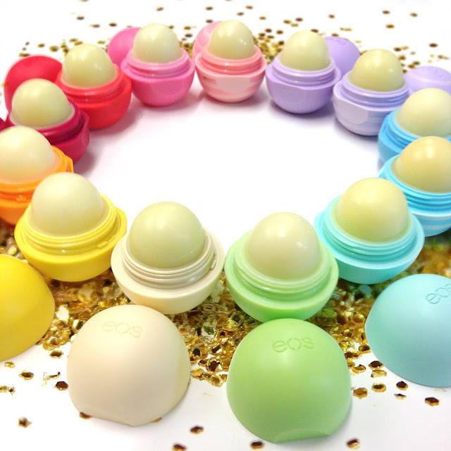 A empresa fabricante do protetor labial da EOS, está sendo processada por provocar reações alérgicas nas consumidoras. As meninas que tiveram problemas