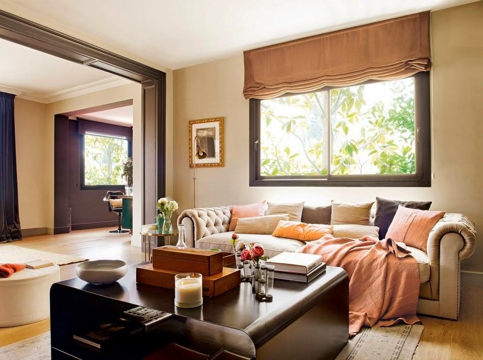 Mieszkanie na poddaszu z czarnymi akcentami, wystrój wnętrz, wnętrza, urządzanie domu, dekoracje wnętrz, aranżacja wnętrz, inspiracje wnętrz,interior design , dom i wnętrze, aranżacja mieszkania, modne wnętrza, styl nowoczesny, modern style, styl klasyczny, sztukateria, czarne dodatki, salon