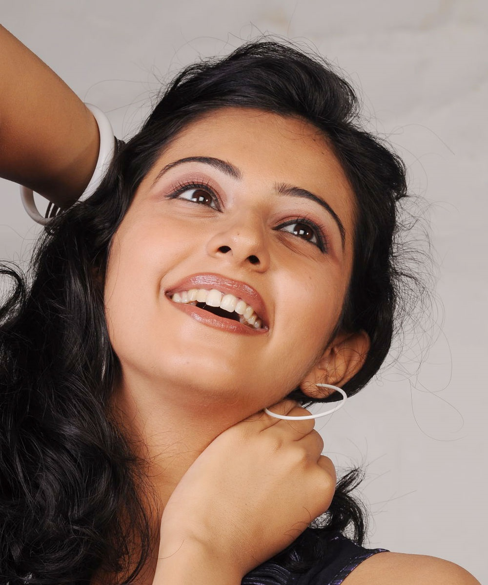 Rakul Preet Singh Hot Black Hair Underarms Armpits Show Face Close Up Photos