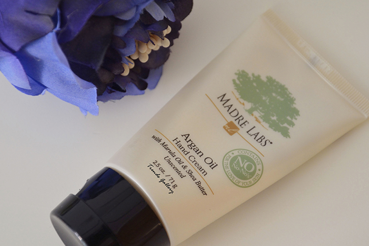 summer-beauty-beautyblogger-madre-labs-argan-oil-hand-cream