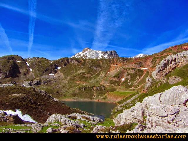 Ruta Farrapona, Albos, Calabazosa: Vista del Lago La Cueva y Albos