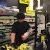 As Palavras De Um Jovem Caixa De Supermercado Para Um Idoso Tornaram-se Virais