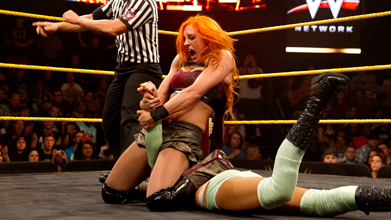 Jessie McKay vs Becky Lynch - womens wrestling submission holds