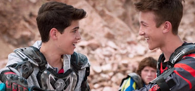 HQ é censurada no Brasil mas TV dos EUA tem heróis gays para crianças
