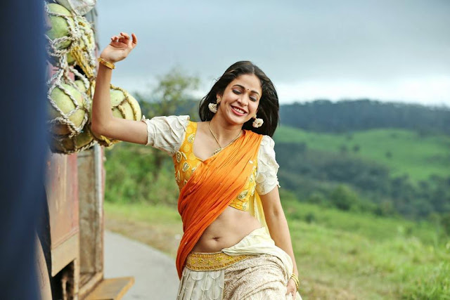 Actress Lavanya Tripathi Navel Show Photos