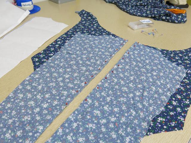 blusa con pinzas en la espalda