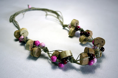 beads corks necklace