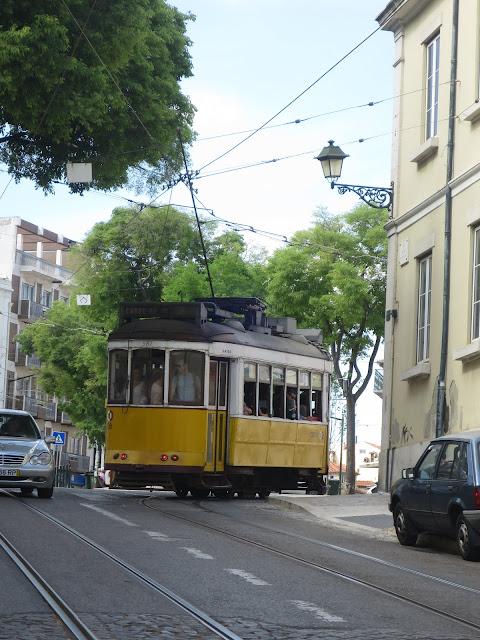 tramways-lisbonne.jpeg