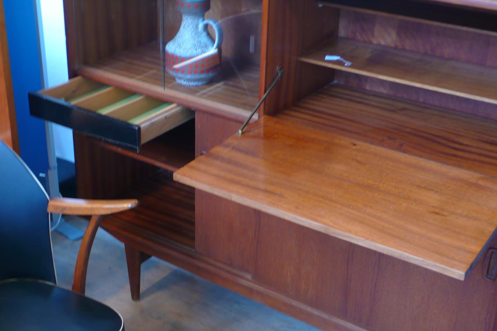 meuble scandinave seventies bazar vintage bazar brocante. Black Bedroom Furniture Sets. Home Design Ideas