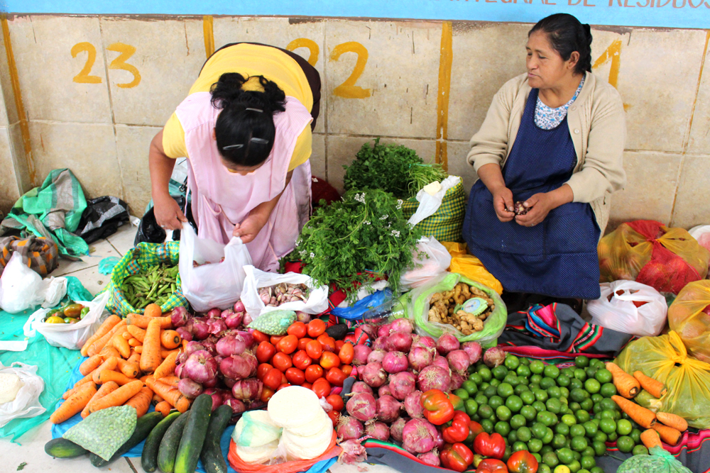 Street market at Aguas Calientes, Peru - lifestyle & travel blog