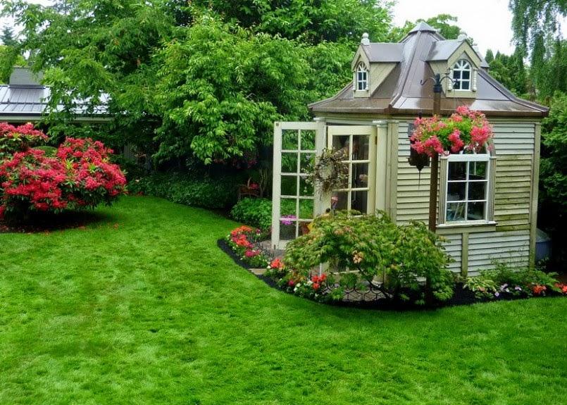 Frugalicious Chick: Beautiful Yard Decor