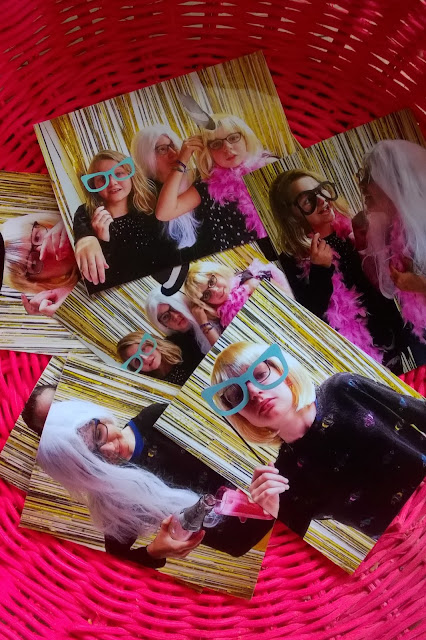 Photobooth pics magnets (party gift idea)