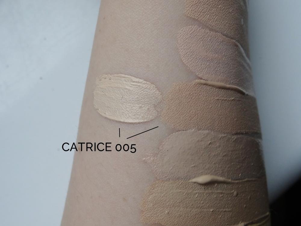 Catrice Liquid Camouflage 005 Light Natural jak ciemnieje