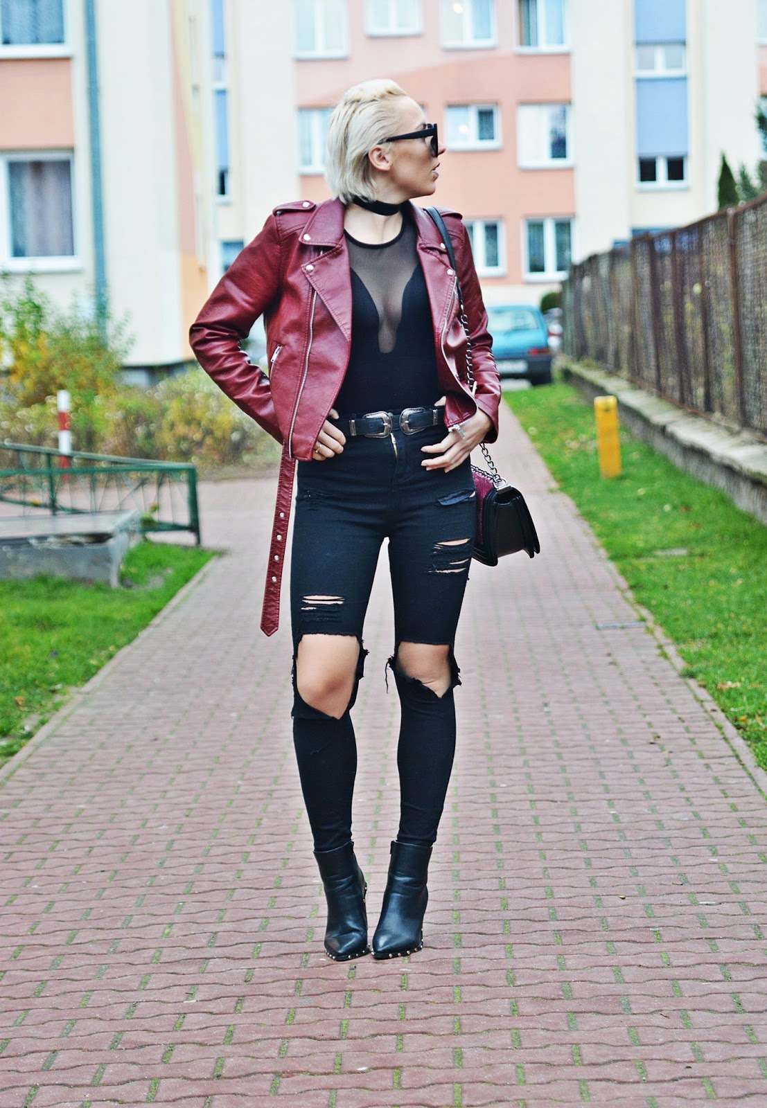 podwojny_pasek_blog_modowy_karyn_bordowa_ramoneska
