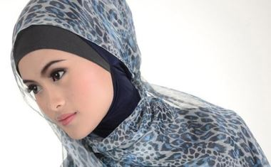 model hijab dari kain sifon yang banyak diminati