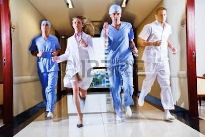 Doctors-and-mental-patients