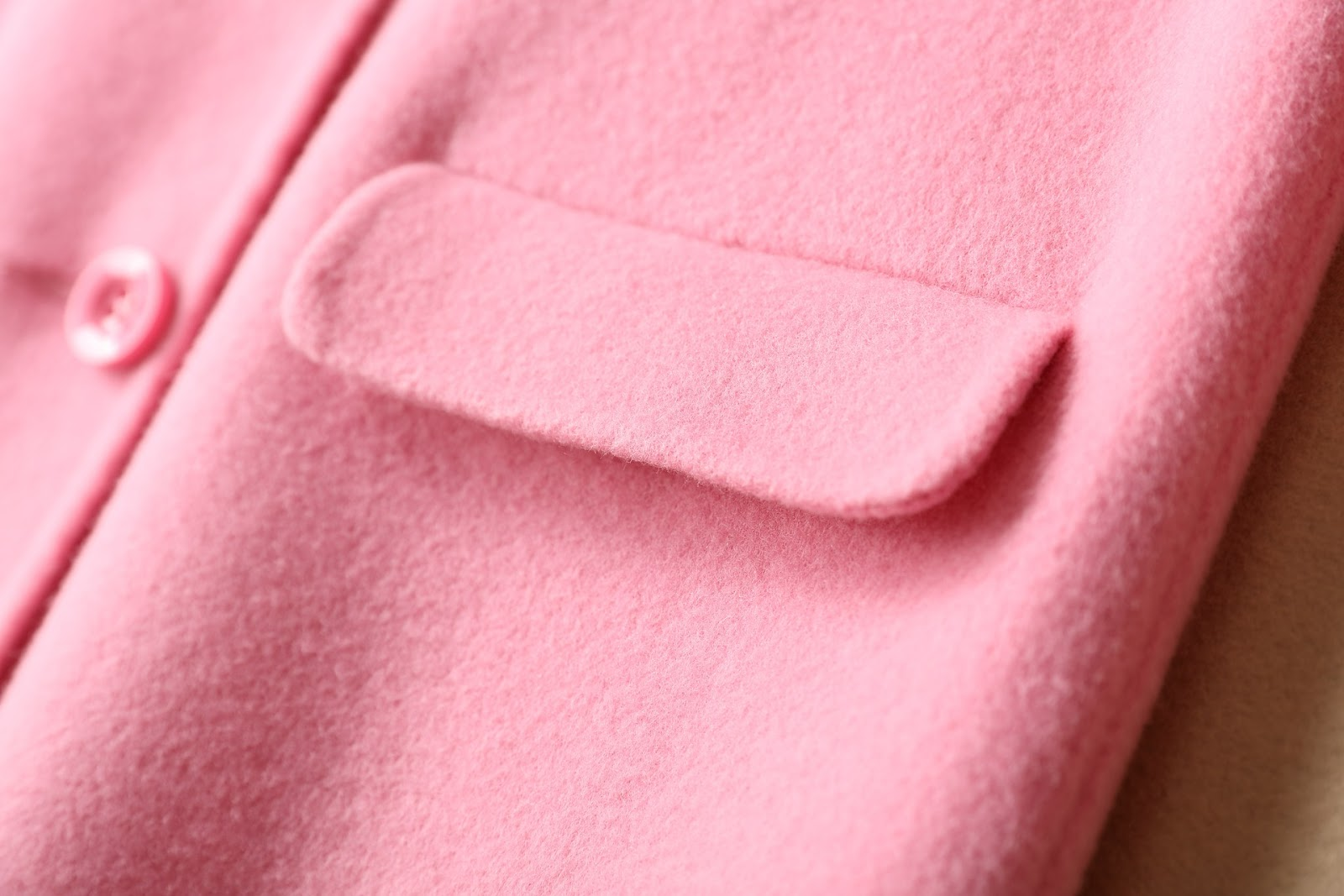 Szycie Wieczne: Płaszcz szyć czy kupić?