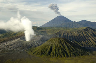 Mt Bromo, Madakaripura Waterfall, Songa Rafting Tour 3 Days