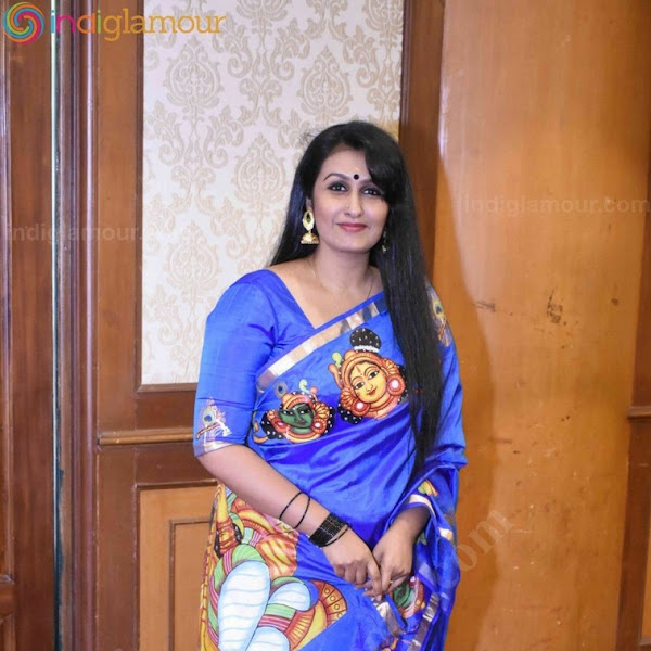 Kavitha Nair latest photos in saree from Kerala Fashion League