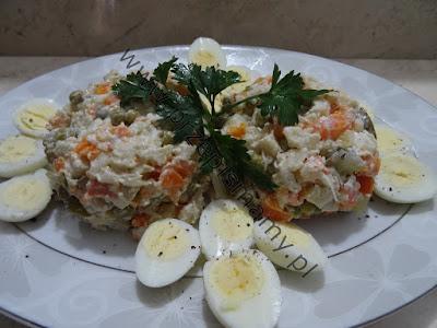Sałatka jarzynowa z jajkami przepiórczymi