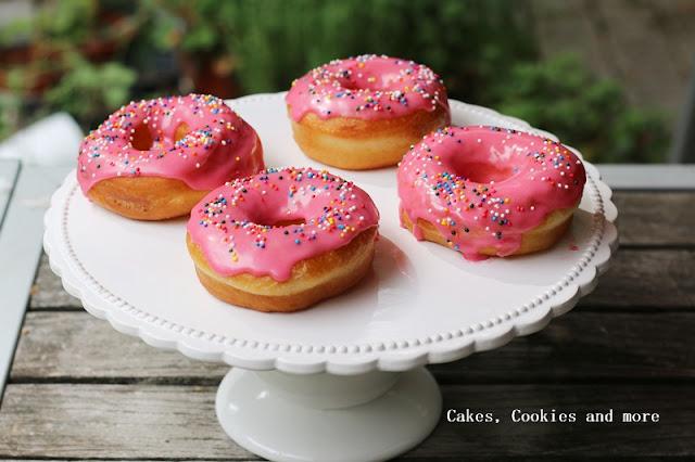 Donuts mit Zuckerguss