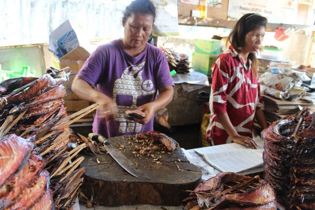 Pasar Ikan Cakalang Fufu dan Roa