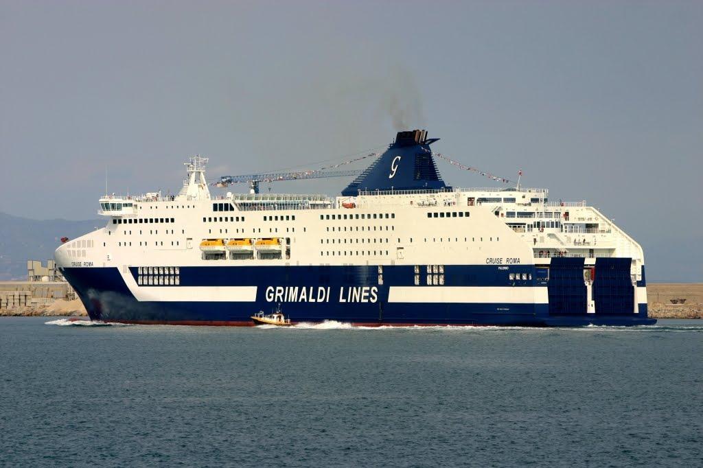Resultado de imagen de Grimaldi recibe a más de 500 marinos en ro-ro