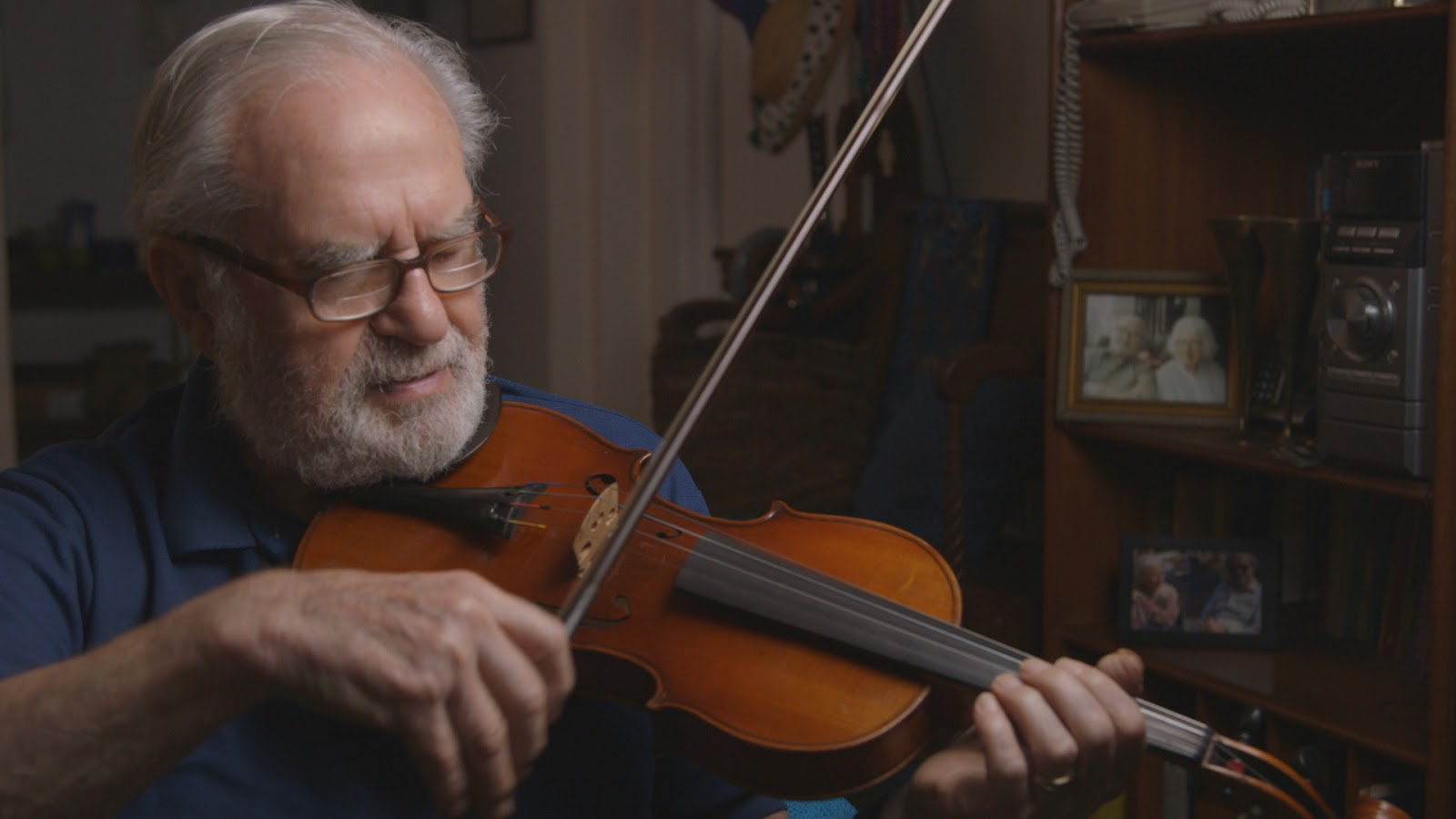 Um jeito manso o violino de joe the retired architect was born in warsaw in 1923 and grew up playing the violin encouraged by his mother i delighted in learning about fandeluxe Gallery